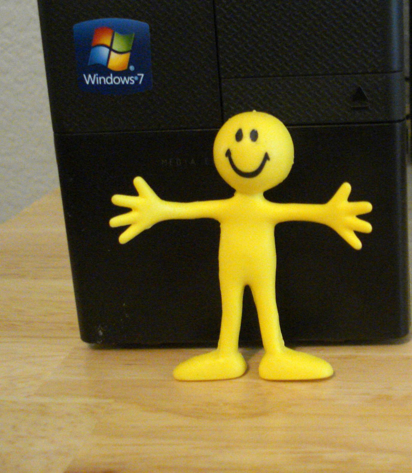 computer-tower-and-a-smiling-face